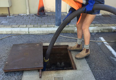flushing of grease traps
